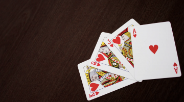 blog post - Roulette vs. Slots Which Online Casino Game to Choose